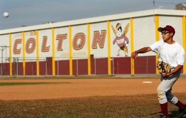 Boys Baseball loses close fight with SkyHawks