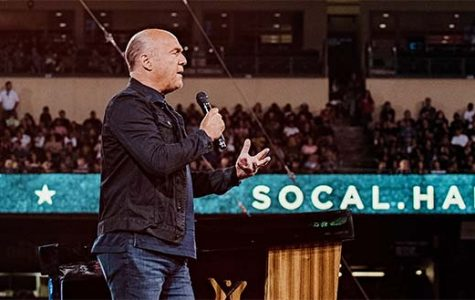 'God's delivery boy' Greg Laurie takes on the city of angels