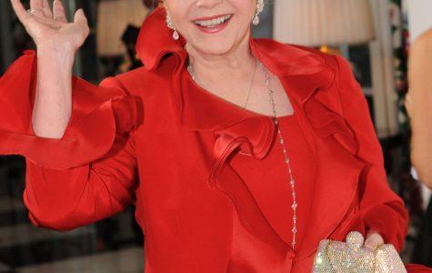 """Singing in the Rain"" star Debbie Reynolds dies one day after daughter"