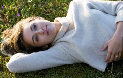 "Miley is ""free as birds"" in new single ""Malibu"""