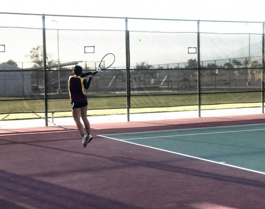 Shantel Marantes returned to playing singles, taking all three sets and leading the Yellowjackets to a 10-8 team victory over Jurupa Hills.