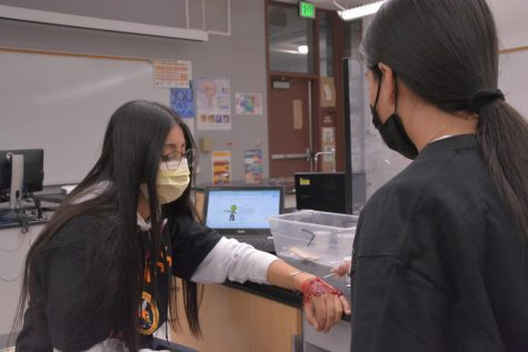 Students in Kristin Griffiths Anatomy class discover the ways in which burn wounds heal during this gruesome lab experiment.