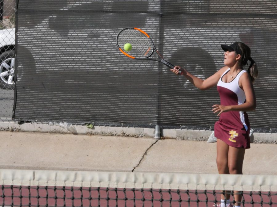 Briseyda Rodriguez with a strong forehand.